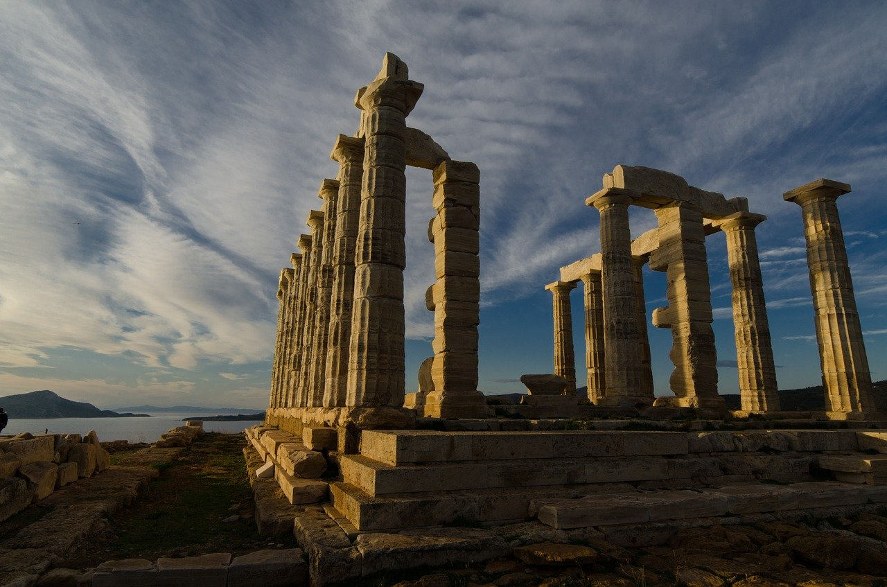 Car rental in Athens: the best excursions to do by car
