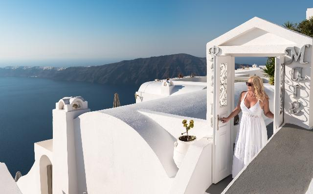 what is the best greek island for a honeymoon
