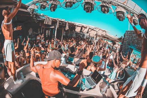 mykonos paradise club
