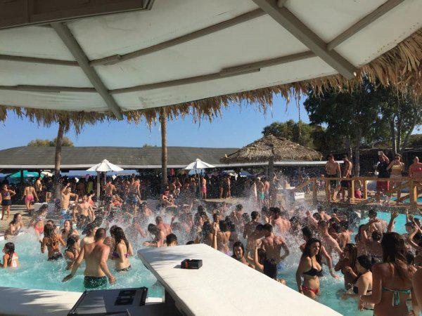 punda paros beach club