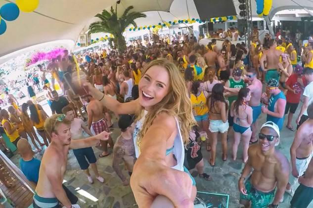 Ios far out club party