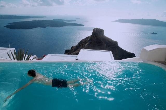 Santorini island for singles